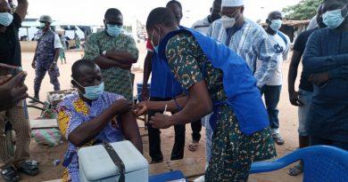 Togo: Le ministre des Transports Routiers, Aériens et Ferroviaires exhorte les transporteurs et les conducteurs routiers à se faire vacciner contre la Covid-19