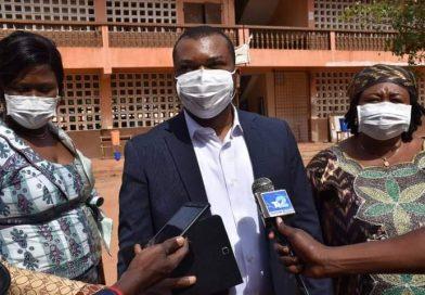 Commune Agoè-Nyivé 1 : Le maire Kovi Adanbounou constate l'effectivité de la rentrée scolaire 2021-2022 dans certains établissements